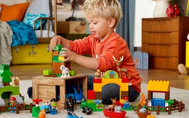 Vì sao chúng ta nên ưu tiên những bộ đồ chơi cho bé trai 1 tuổi